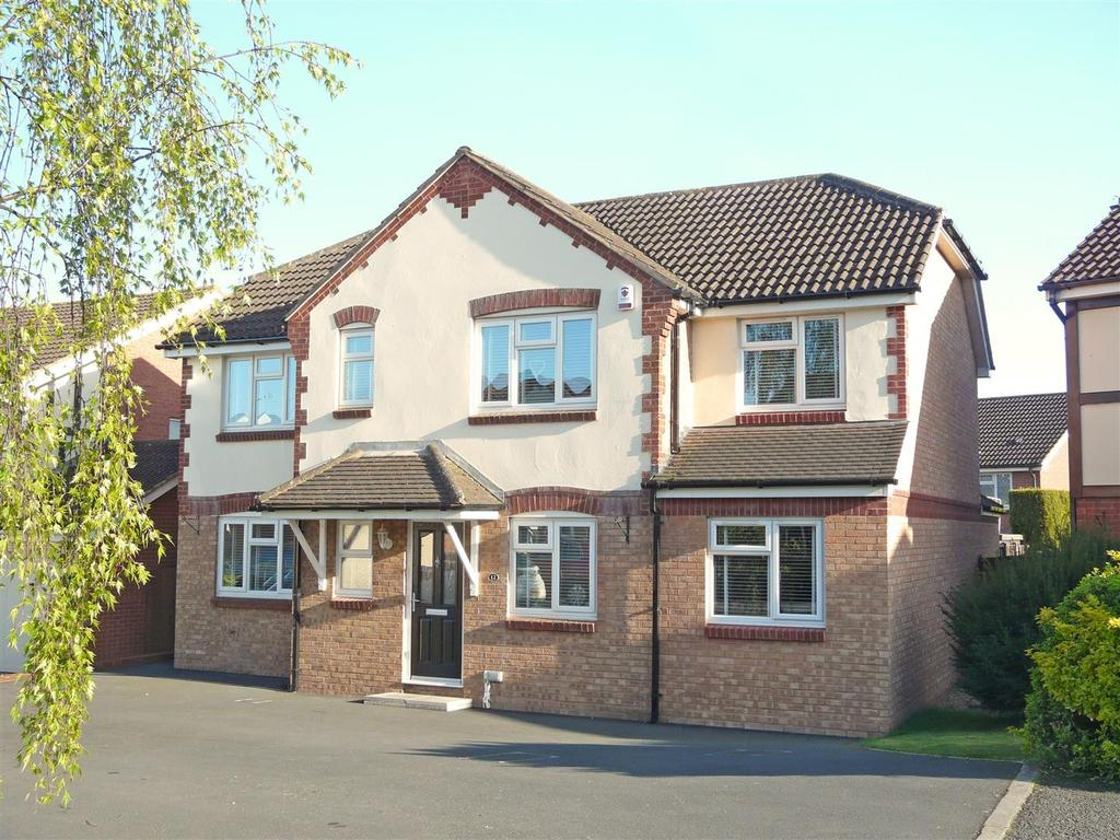 4 Bedrooms Detached House for sale in Lytham Drive, Wentworth Park, Hereford, HR1