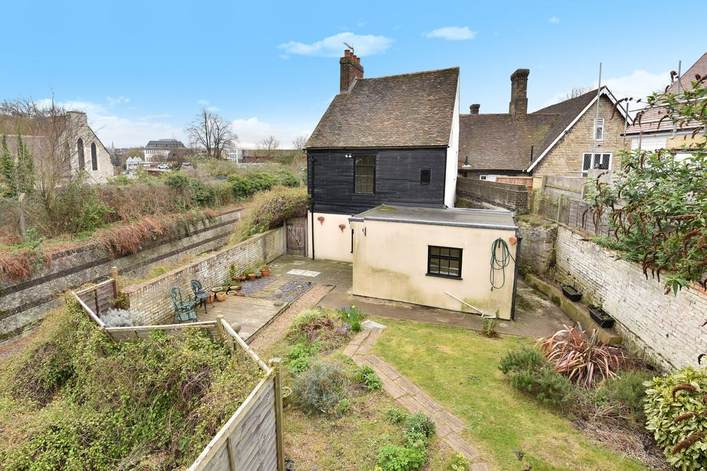 3 Bedrooms Detached House for sale in Buckland Road, Maidstone