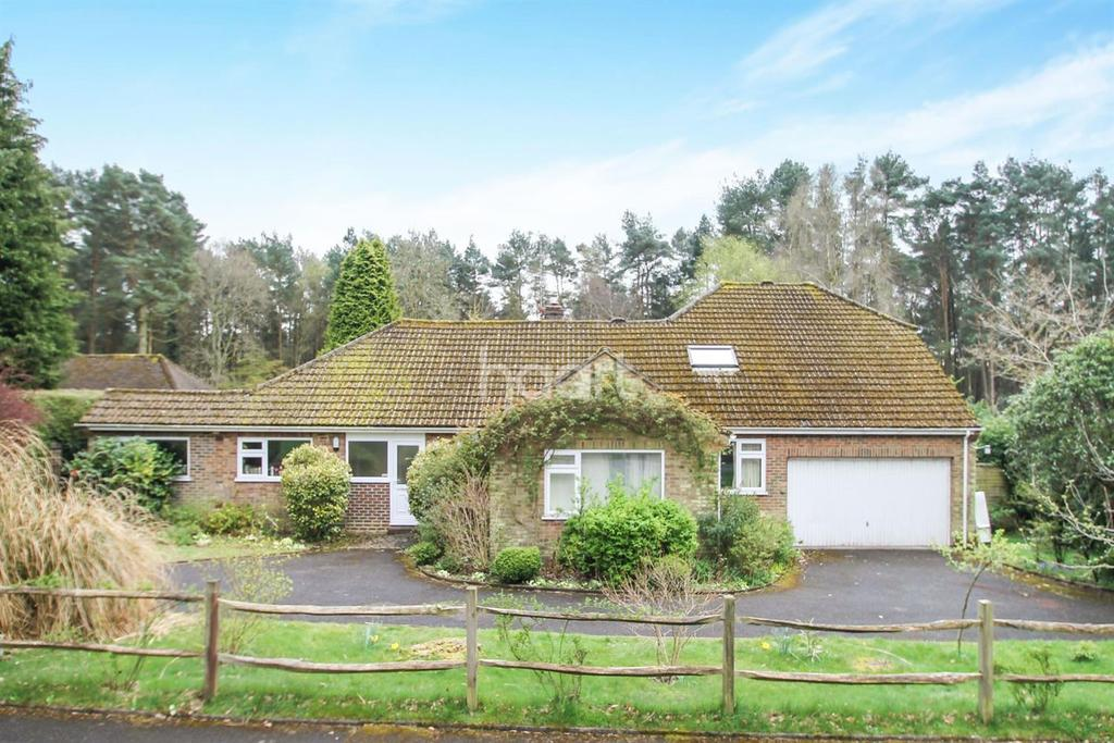 4 Bedrooms Detached House for sale in Kingswood Firs, Grayshott, Surrey