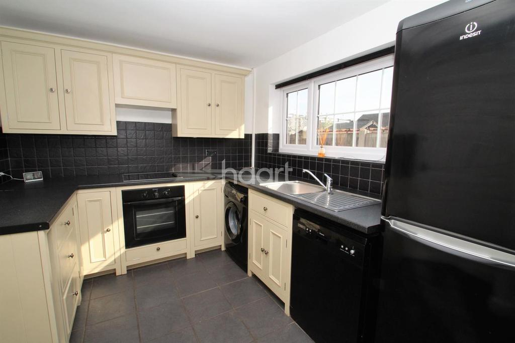 2 Bedrooms Bungalow for sale in The Drive, Hullbridge
