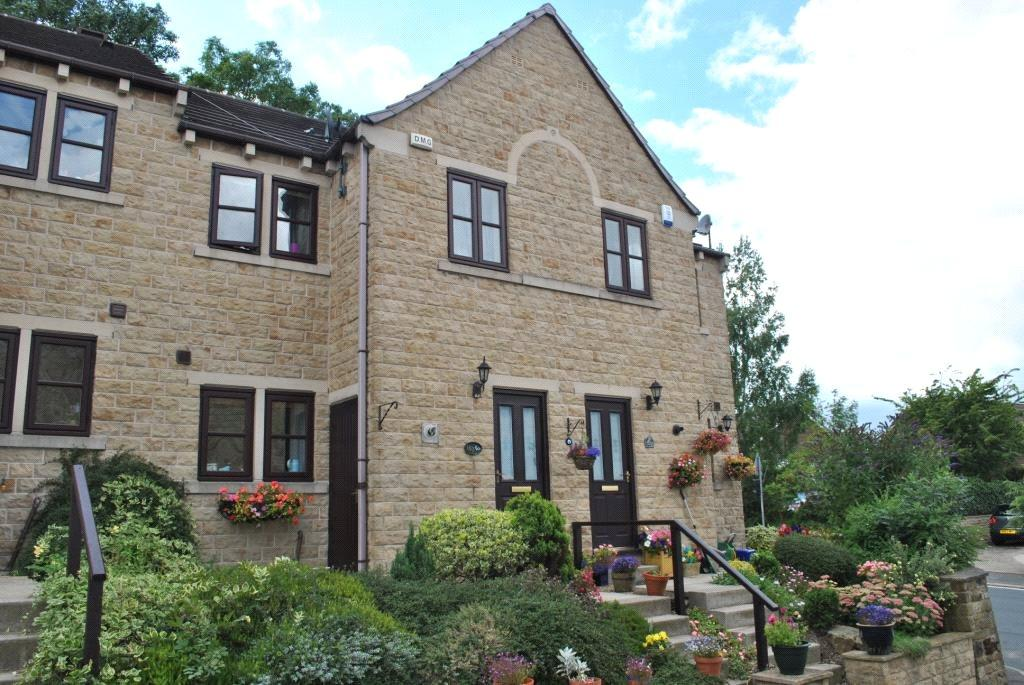 3 Bedrooms Town House for sale in Netherton Lane, Netherton, Wakefield, West Yorkshire