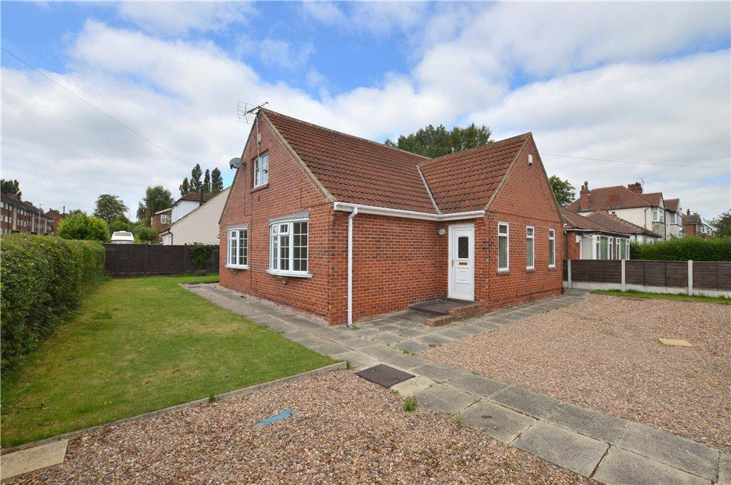4 Bedrooms Detached Bungalow for sale in Fearnville Terrace, Leeds