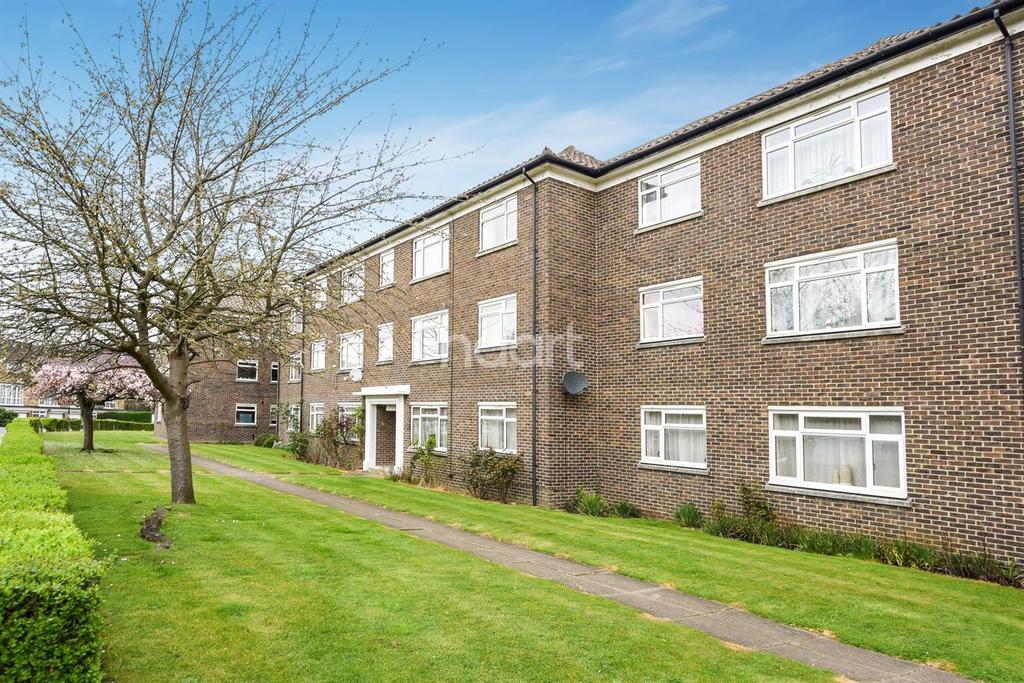 2 Bedrooms Flat for sale in Waldronhyrst, South Croydon, CR2