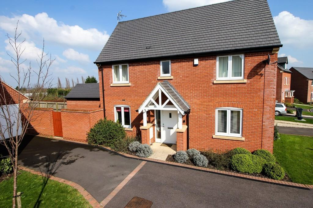 3 Bedrooms Link Detached House for sale in Manor Holt Close, Rothley