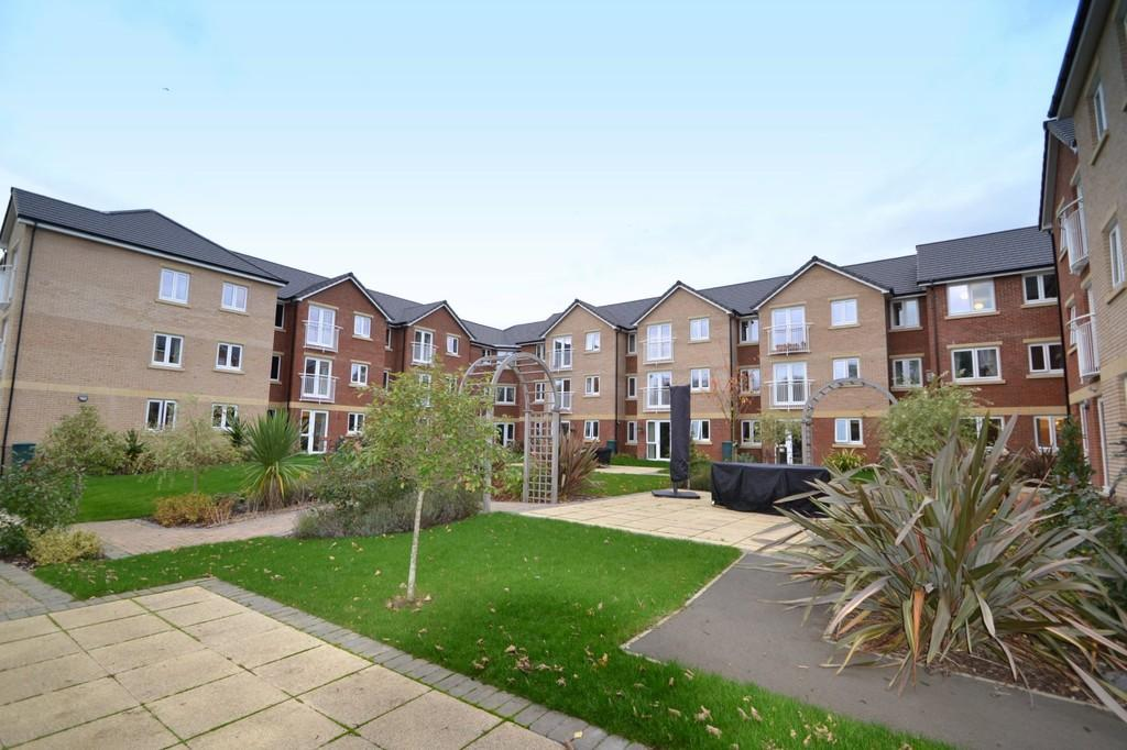 1 Bedroom Apartment Flat for sale in Booth Court, Handford Road, Ipswich, Suffolk, IP1 2GD