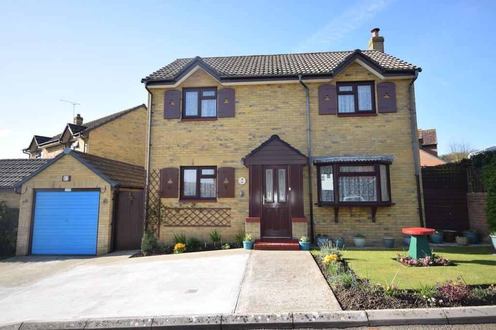5 Bedrooms Detached House for sale in Kingfisher Close, Newport