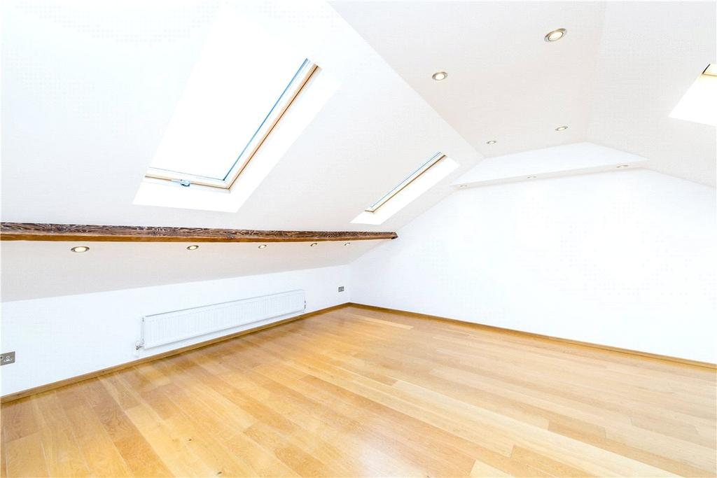 3 Bedrooms Terraced House for sale in Upper Richmond Road, London, SW15