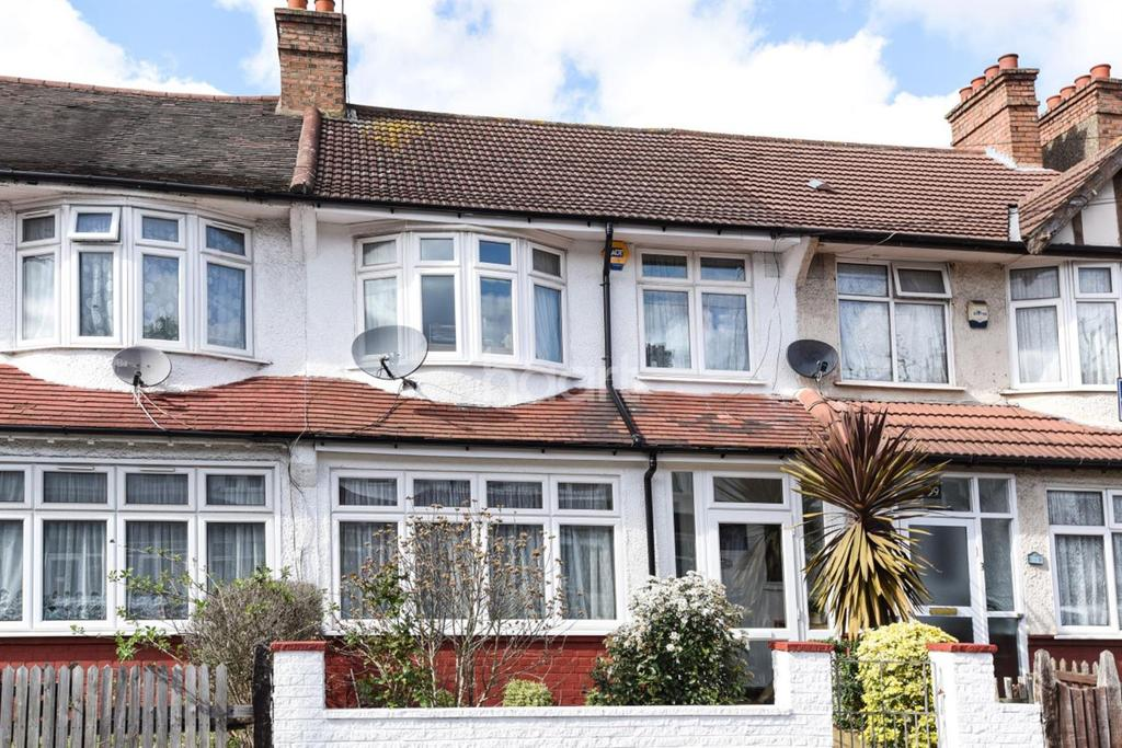 3 Bedrooms Terraced House for sale in Warlingham Road, Thornton heath, CR7