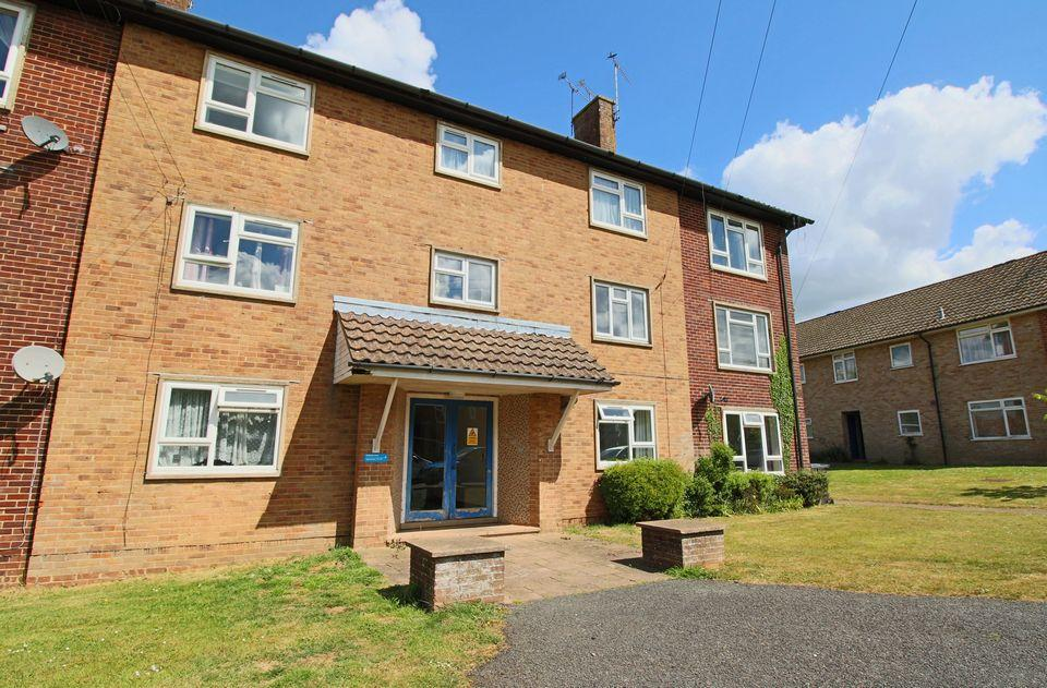 3 Bedrooms Flat for sale in Parklands Road, Hassocks