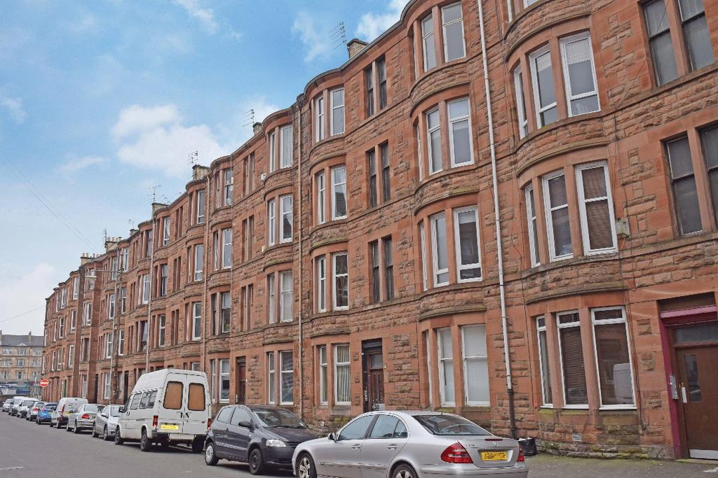 1 Bedroom Flat for sale in Torrisdale Street, Flat 3/R, Queens Park, Glasgow, G42 8PJ