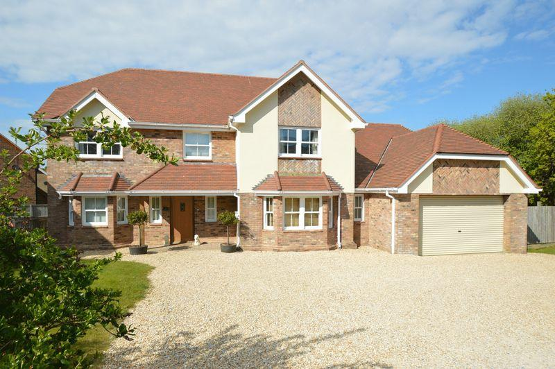 8 Bedrooms Detached House for sale in SHANKLIN