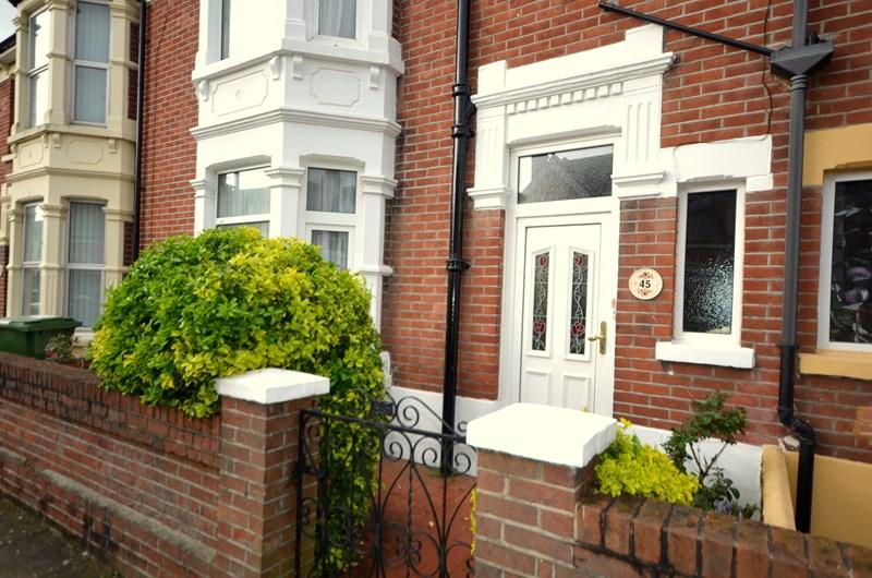 3 Bedrooms Terraced House for sale in Highgrove Road, Baffins, Portsmouth