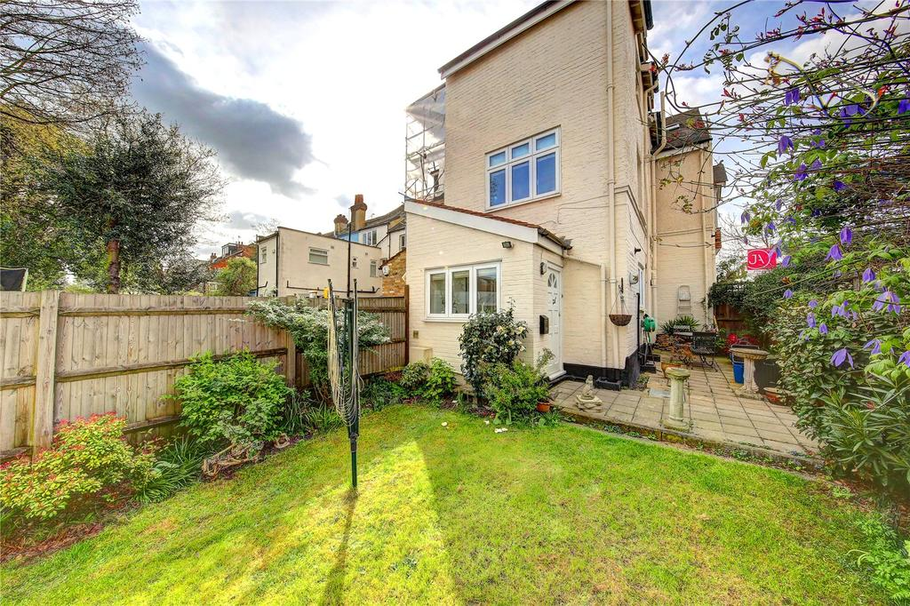 2 Bedrooms Semi Detached House for sale in Upper Richmond Road West, London, SW14