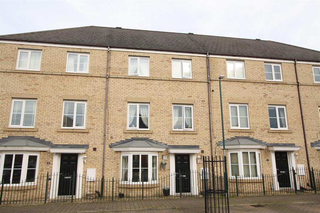 4 Bedrooms Town House for sale in Hubback Square, Darlington