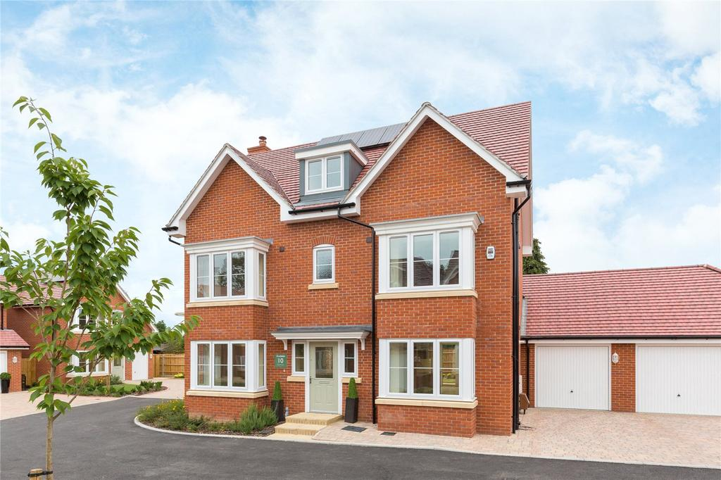 5 Bedrooms Detached House for sale in The Oak, Norfolk Place, Love Lane, Iver, Buckinghamshire
