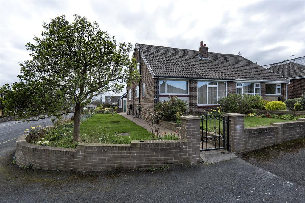 3 Bedrooms Semi Detached Bungalow for sale in Bywell Close, Dewsbury, West Yorkshire, WF12