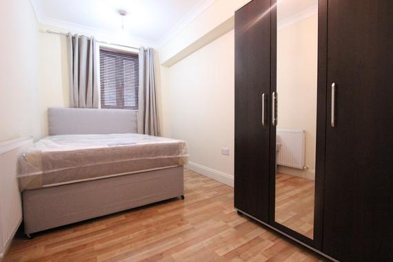 Prime Edgware Road Paddington London W2 3 Bed Flat Share 850 Download Free Architecture Designs Scobabritishbridgeorg