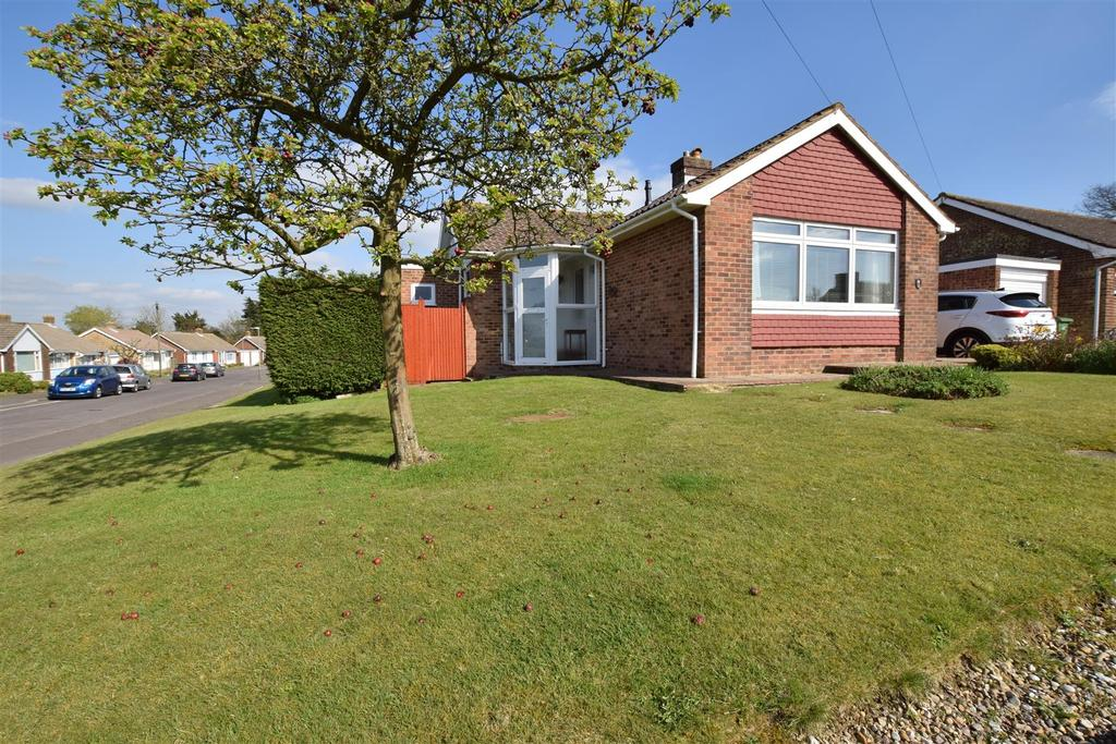 3 Bedrooms Bungalow for sale in Chanctonbury Drive, Hastings