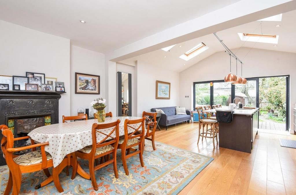 4 Bedrooms House for sale in Kingsway, East Sheen