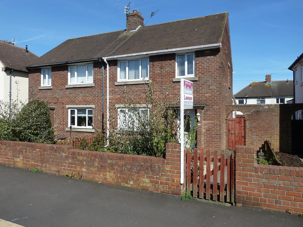 3 Bedrooms Semi Detached House for sale in Shields Road, Morpeth NE61