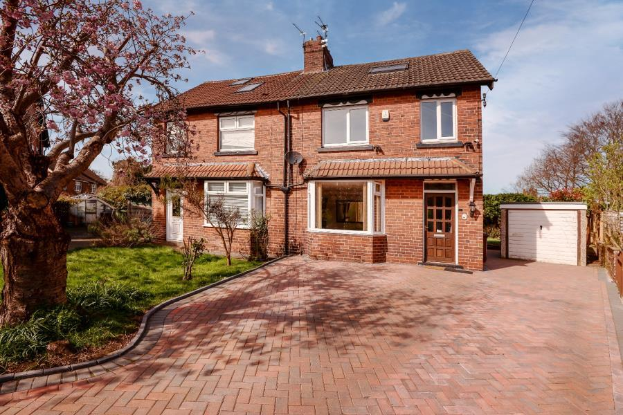 3 Bedrooms Semi Detached House for sale in LIDGETT CRESCENT, LEEDS, LS8 1HN