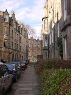 3 bedroom flat - Roseneath Terrace, Edinburgh EH9