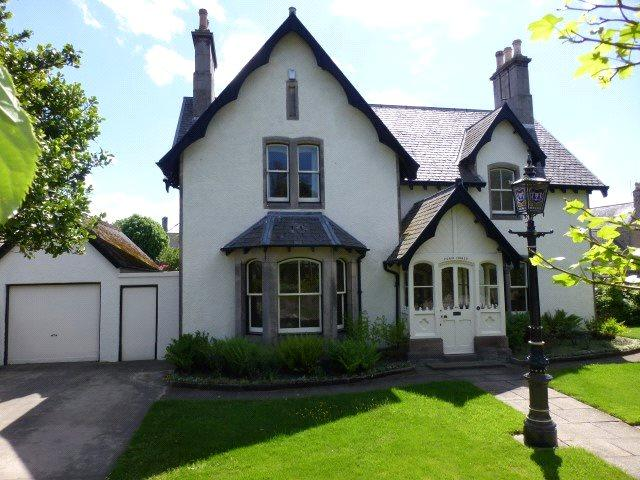 4 Bedrooms Detached House for sale in Fern Hurst, 284 High Street, Elgin, Moray, IV30