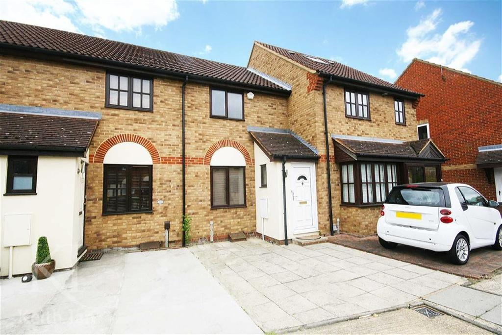 2 Bedrooms Terraced House for sale in Hollybush Way, West Cheshunt