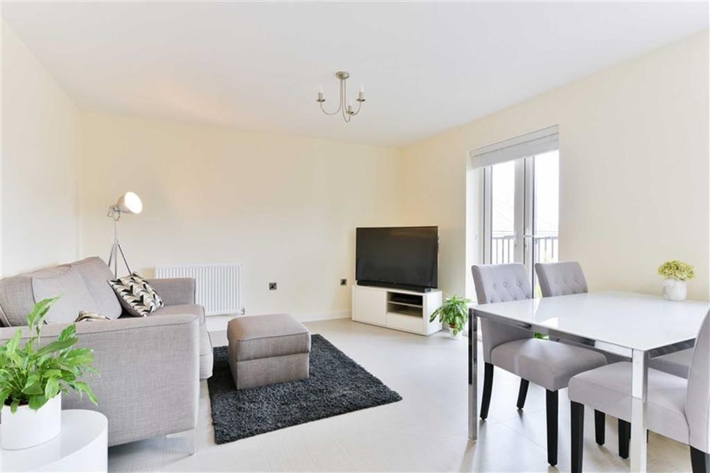 1 Bedroom Flat for sale in Scott House, Epsom, Surrey