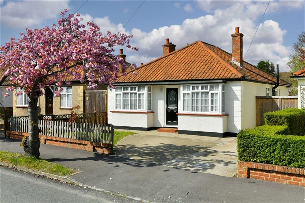 2 Bedrooms Detached Bungalow for sale in Lansdowne Road, West Ewell, Surrey