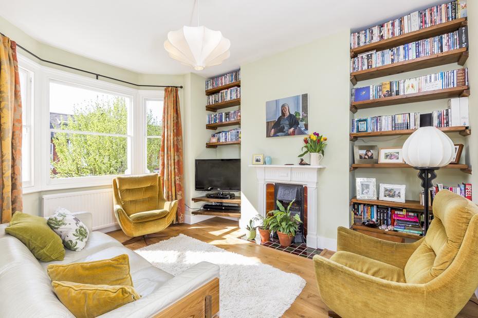 3 Bedrooms Maisonette Flat for sale in Roxwell Road, London W12