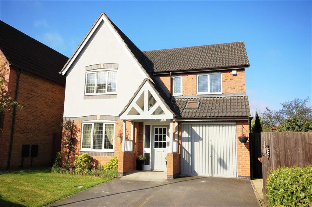 4 Bedrooms Detached House for sale in Downes Way, Sharston, Manchester, M22