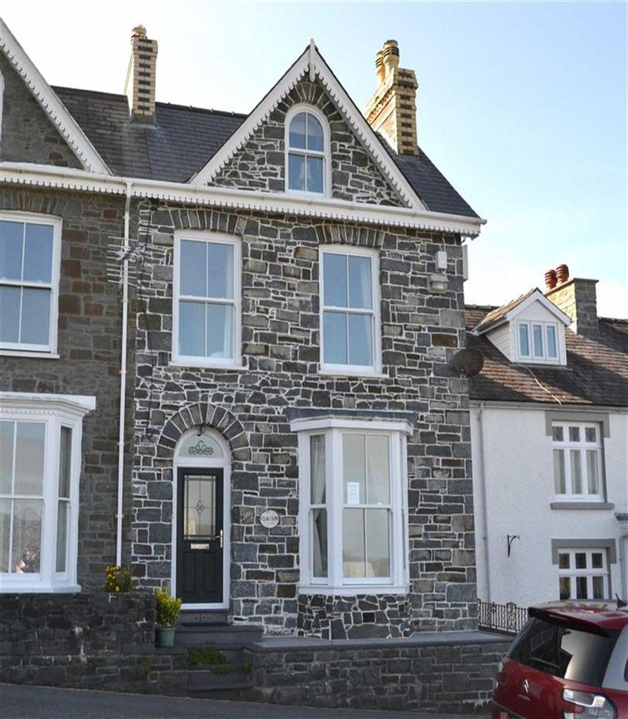 4 Bedrooms End Of Terrace House for sale in Glanmor Terrace, New Quay, Ceredigion
