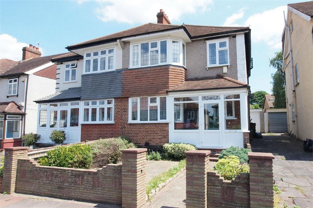 3 Bedrooms Semi Detached House for sale in Bramley Way, West Wickham, Kent