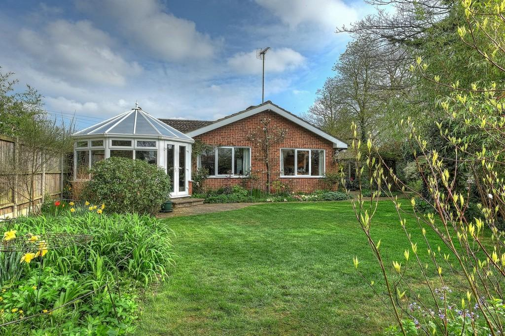 3 Bedrooms Detached Bungalow for sale in Bulwer Road, Buxton, Norwich