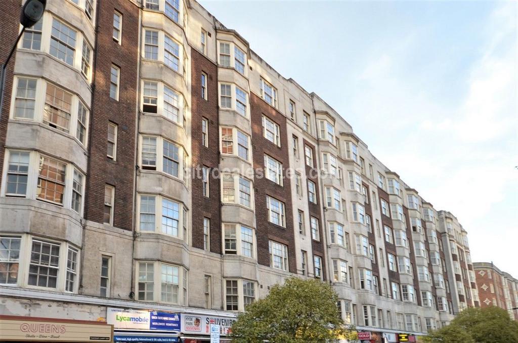3 Bedrooms Flat for sale in Queens Court, Queensway, London, W2 4QR