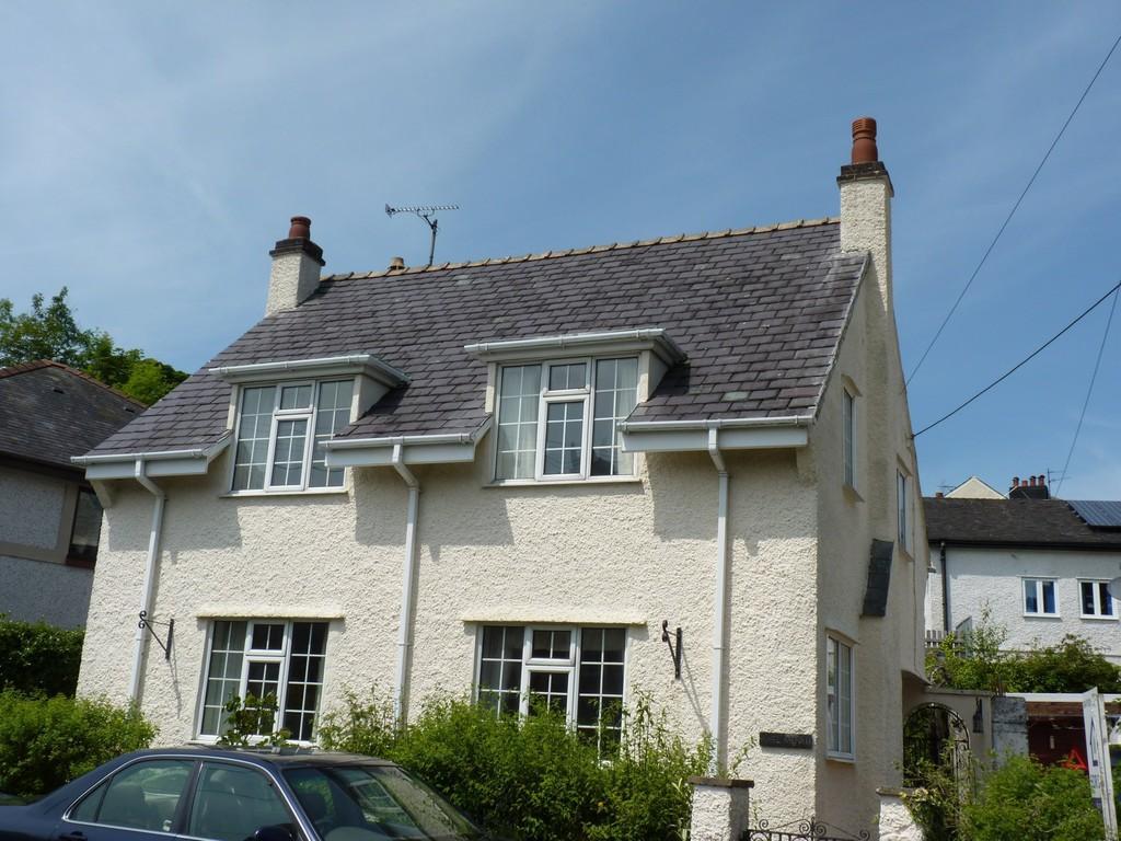 3 Bedrooms Detached House for sale in Cambria Road, Menai Bridge, North Wales