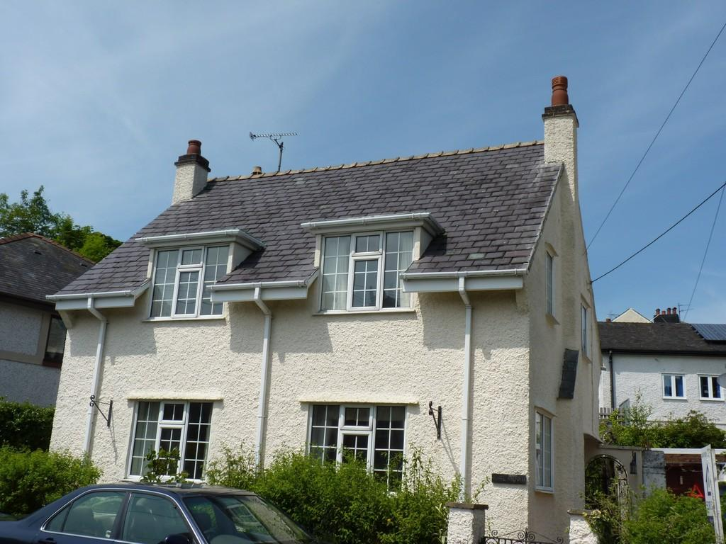 3 Bedrooms Detached House for sale in Cambria Road, Menai Bridge, North Wales