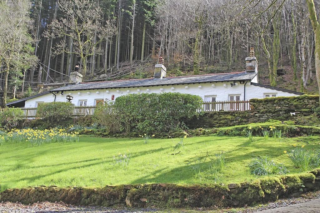 2 Bedrooms Cottage House for sale in Celyn, Nant Gwynant, North Wales