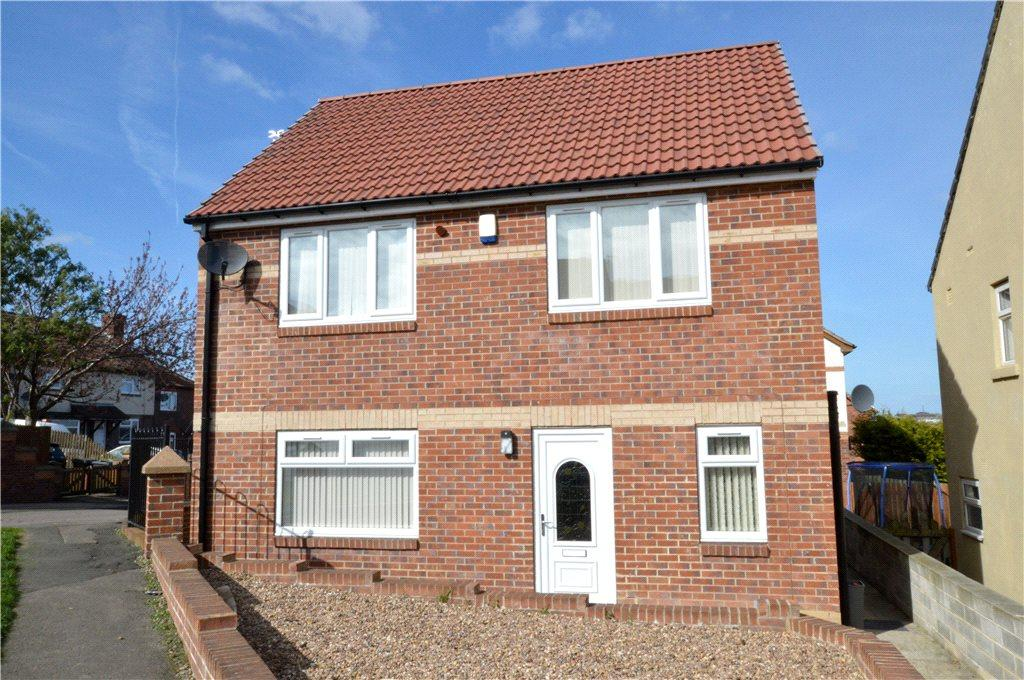 3 Bedrooms Detached House for sale in Cranbrook View, Pudsey, West Yorkshire