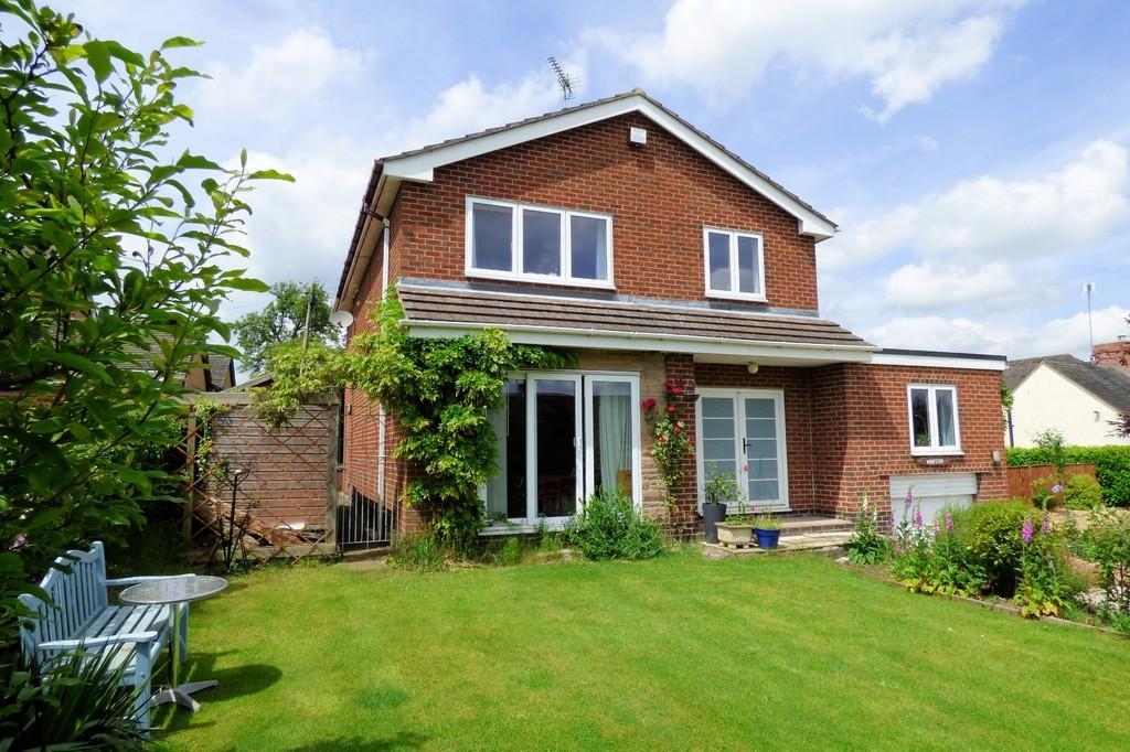 3 Bedrooms Detached House for sale in Oak Road, Denstone