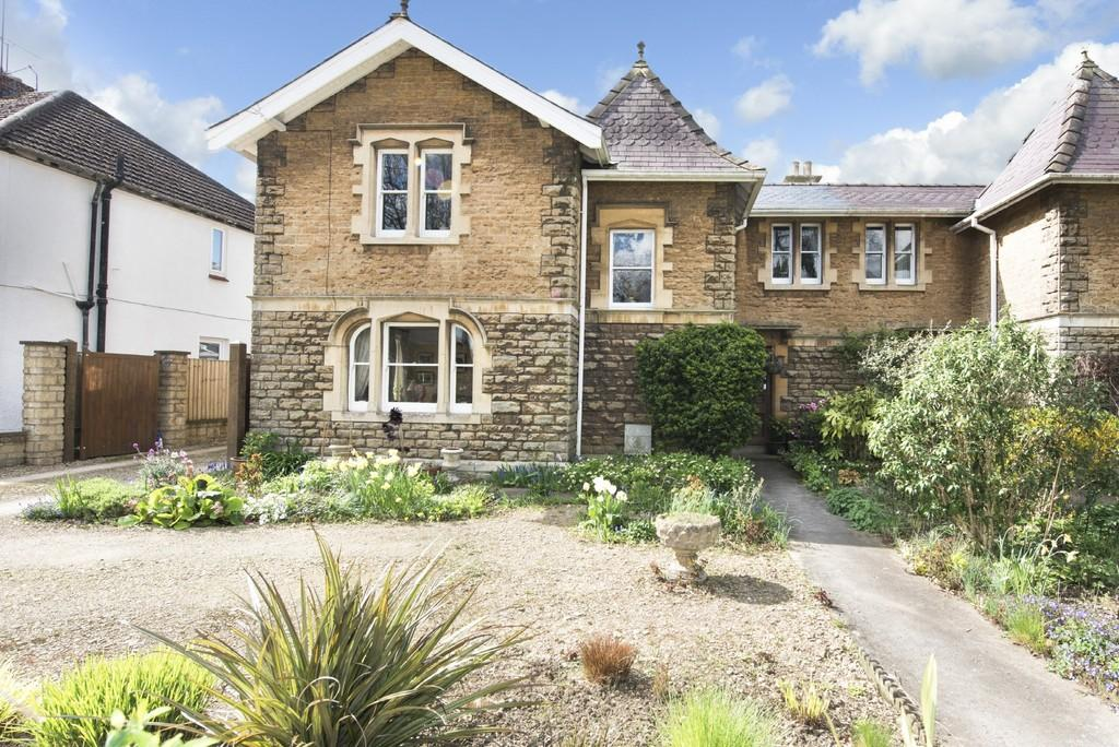 3 Bedrooms Semi Detached House for sale in Nursery Villas