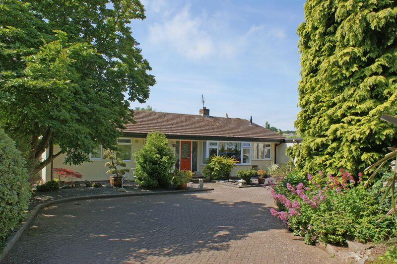 3 Bedrooms Detached Bungalow for sale in Vicarage Road, East Budleigh