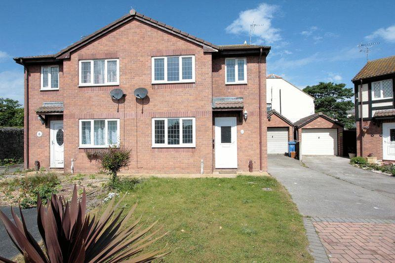 3 Bedrooms Semi Detached House for sale in The Lawn, Rhyl