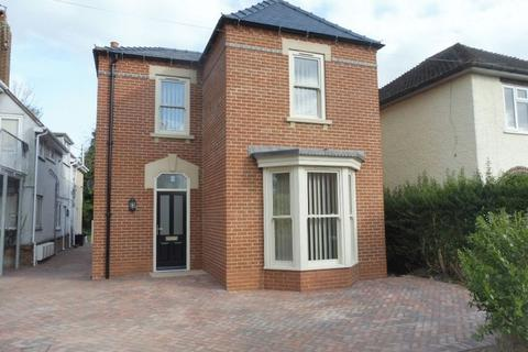 2 bedroom ground floor flat to rent - Priory Road, Spalding