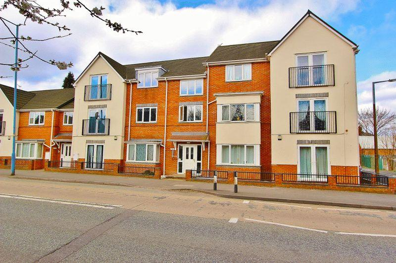 2 Bedrooms Apartment Flat for sale in Toll End Road, Tipton