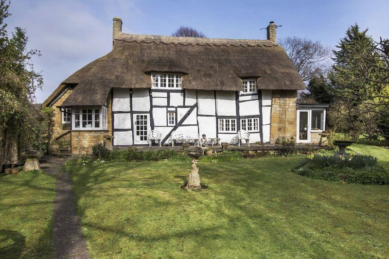 3 Bedrooms Unique Property for sale in Chapel Lane, Mickleton, Gloucestershire