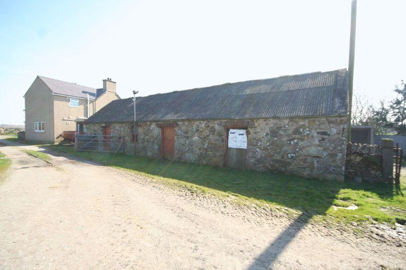 3 Bedrooms Farm House Character Property for sale in Rhosybol, Anglesey
