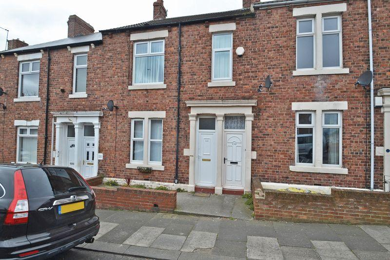 3 Bedrooms Apartment Flat for sale in Chirton West View, North Shields
