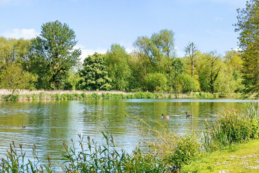 3 Bedrooms Apartment Flat for sale in Thames Bank, Thames Road, Goring, Reading, RG8